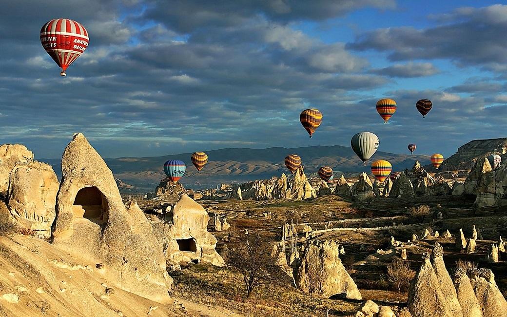 Hot-Air-Balloons-Cappadocia2
